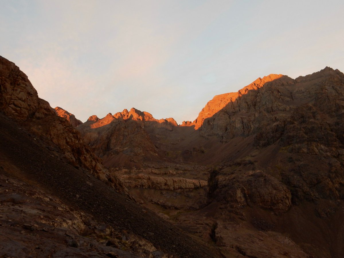 Mount Toubkal? In a weekend? YES YOU CAN!   Get in touch for more info.  #climbing #climb #toubkal #northafrica #yolo #fridayfeeling   https://www.expedadventure.com/product/micro-toubkal/ …