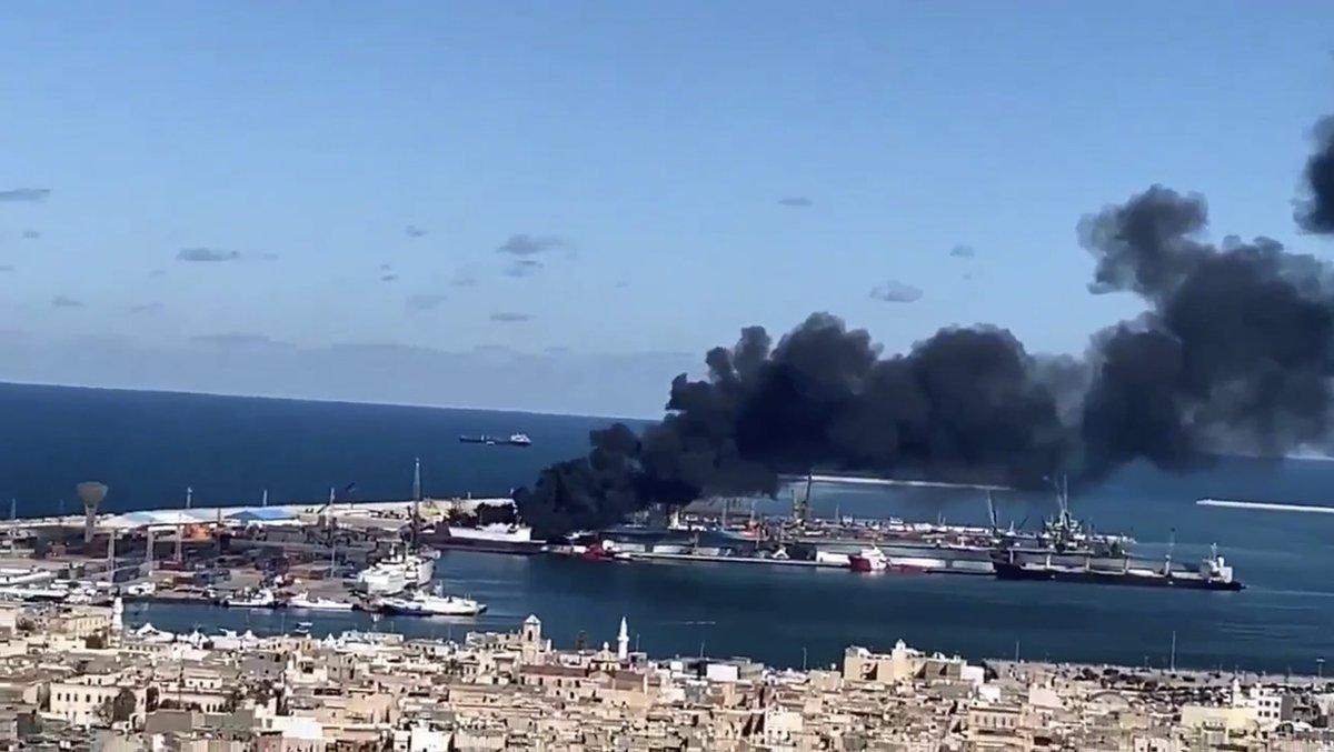 Войска Хафтара атаковали турецкое судно в порту Триполи