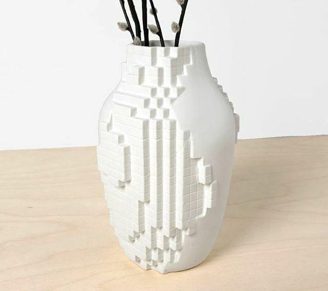 Pixel Vase, 💐available in our shop. . . #shop #web #webshop #lorier #pixelated #lowres #vases #1000vases #porcelain #creative #madebysander #studiolorier