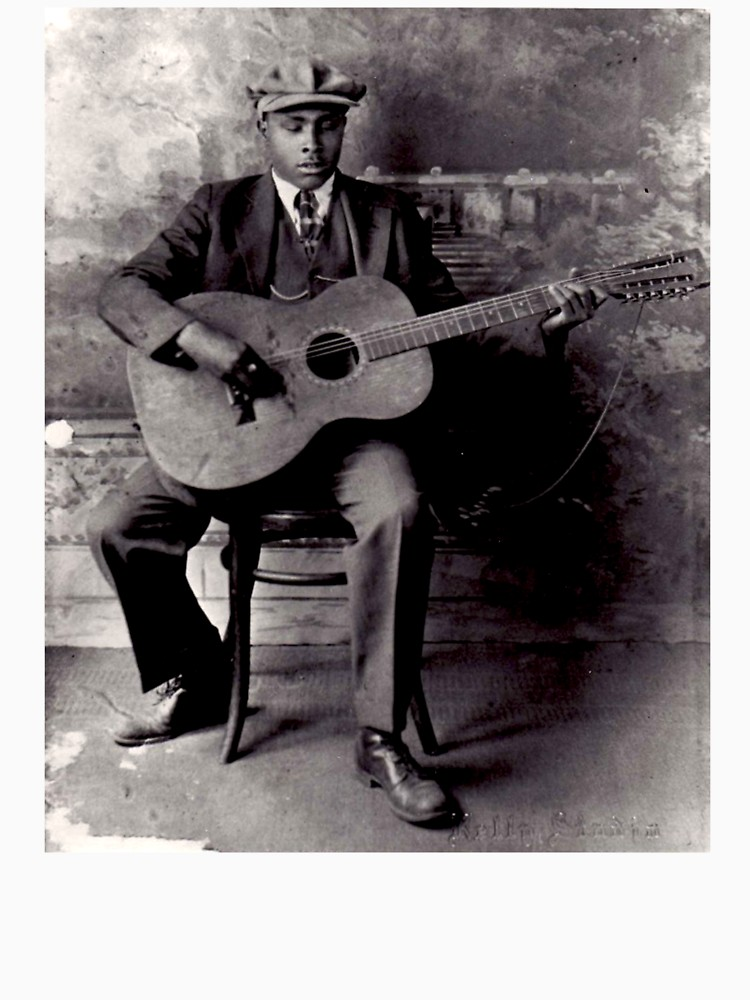 I've been listening to a bunch of #blindwilliemctell today. His guitar playing is timeless, pure magic! #TuesdayThoughts #blues #guitar #magicpic.twitter.com/al34vUf5Ix