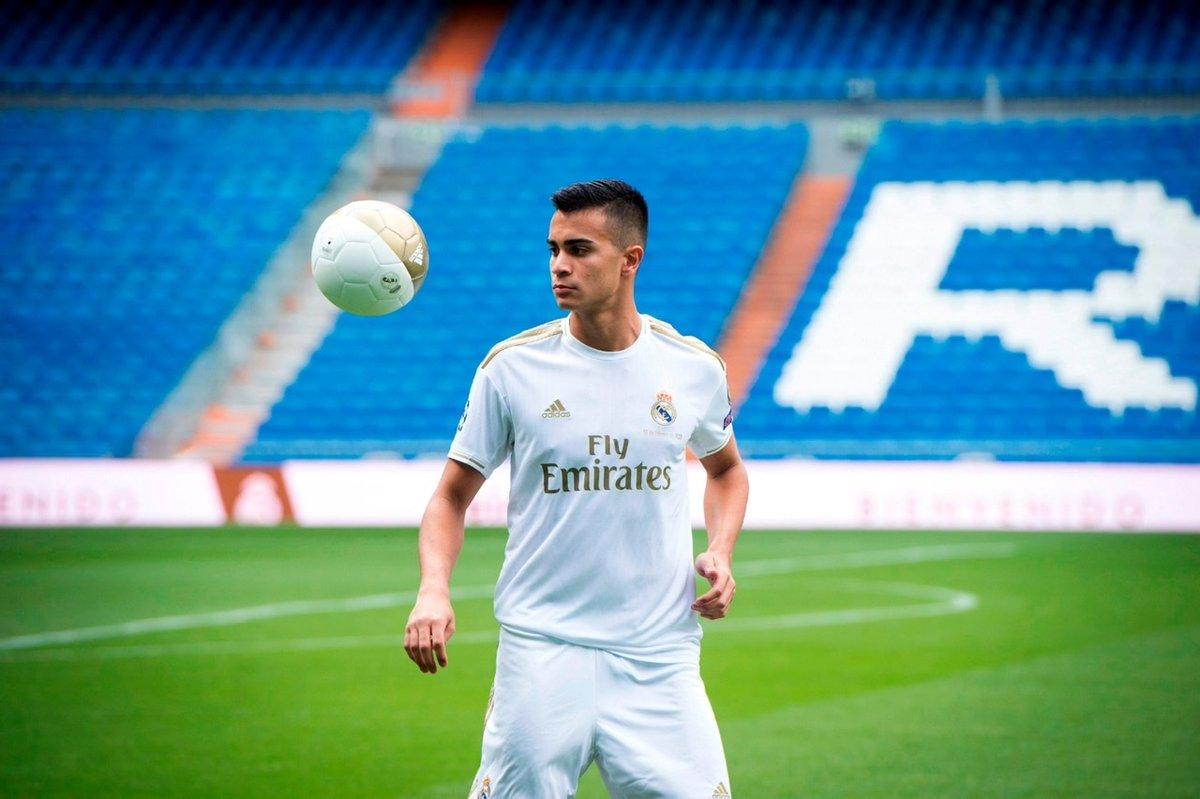 🇧🇷 @ReinierJesus_19 desembarcou no Bernabéu e já veste a camisa do @realmadrid! 💜