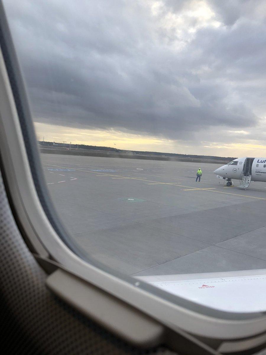 Fensterplatz .  Bis später aus Kattowitz pic.twitter.com/ISsD9ZDBqA – at Frankfurt Airport (FRA)