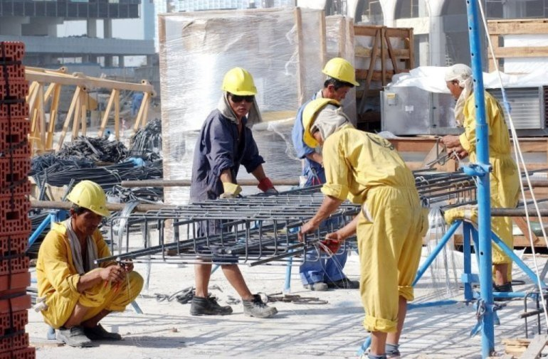The building production companies that are in this world, these companies are not paying the wages of those who are ordinary laborers...? pic.twitter.com/qZa0Hr8lQA