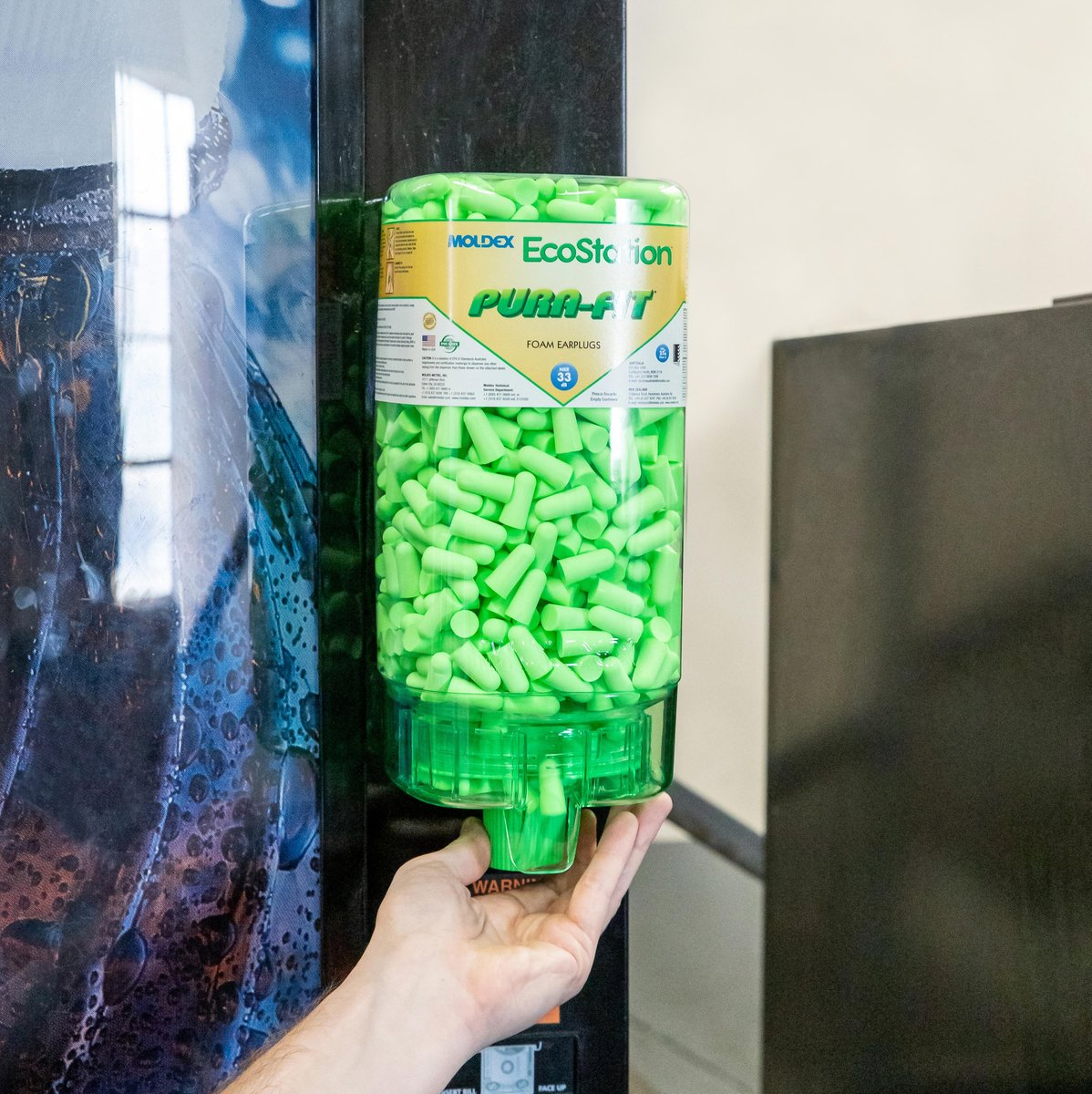 EcoStation™ Earplug Dispenser — Convenient, quick access and ease of use for more compliance. Plus, workers take only one pair at a time, so there is less waste. Less waste means more cost savings. Lower cost per pair than packaged earplugs.   Request a free trial today! #moldex<br>http://pic.twitter.com/enjDZslSbi