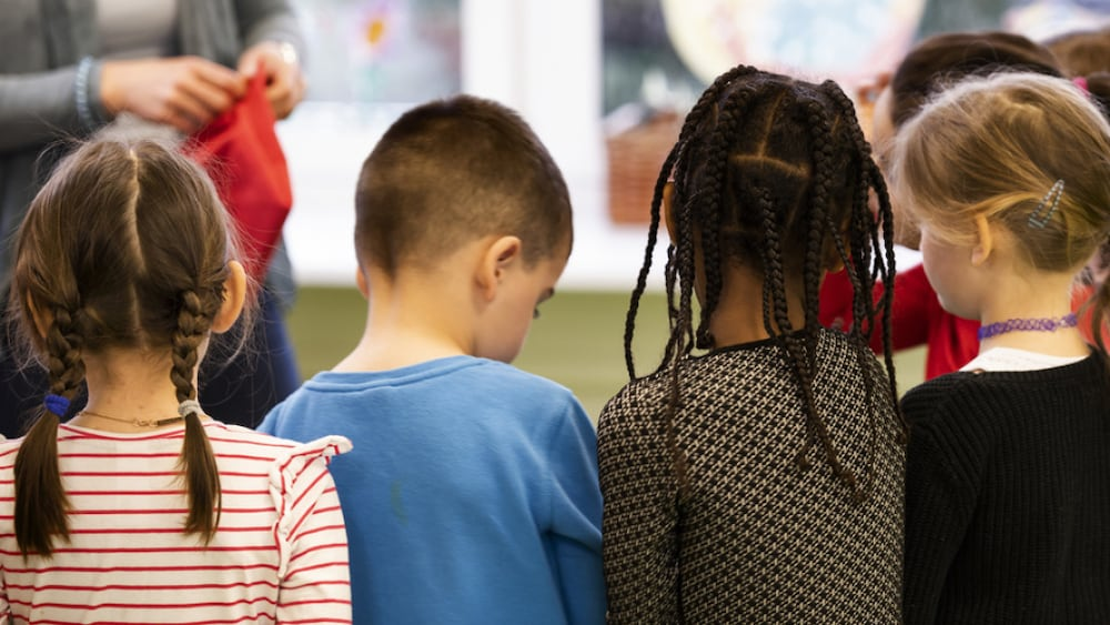 Sprachforschung: Zweisprachige Kinder gestikulieren anders http://dlvr.it/RQGw2Cpic.twitter.com/Z6pDY8YfJJ