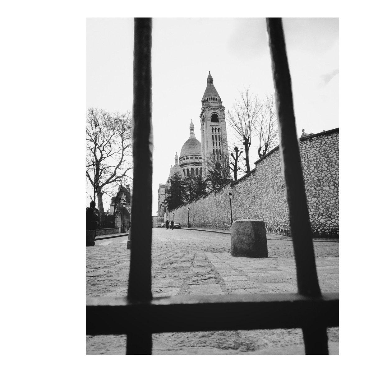 Sacré-Coeur (Paris, Février 2020)  #websta #picoftheday #photooftheday #igers #instalike #photogrid #snapseed #snapseedshot  #photography #photographie #pentax #pentaxk5 #paris #sacrecoeur #montmartre #france #nb #bw #bwphotography #bfxtg