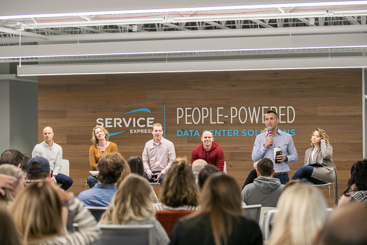 It's time for our town hall meeting at our corporate Sparks building! We hold these meetings to keep our team engaged as we continue to grow and we also open the floor for discussion and any questions or needs our teams have. #theserviceexpressway #peoplepowered #culturepic.twitter.com/jvvsrqYLx7