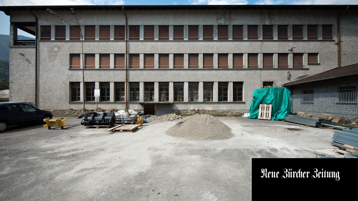 Losones Kaserne verwandelt sich in ein Kulturzentrum http://dlvr.it/RQGwWCpic.twitter.com/Cu18xhxs5o