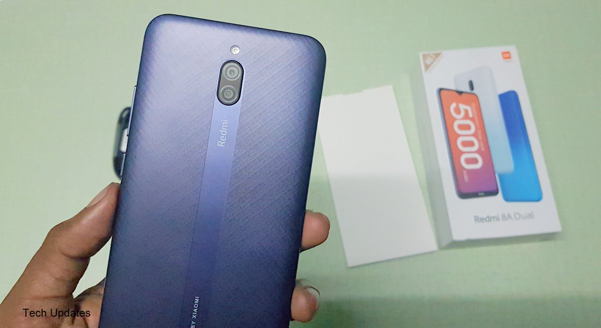 Redmi 8A Dual Retail Unit Unboxing   https://youtu.be/IhIaJlFu8dI   #Redmi8ADualpic.twitter.com/Q673QuU5JE