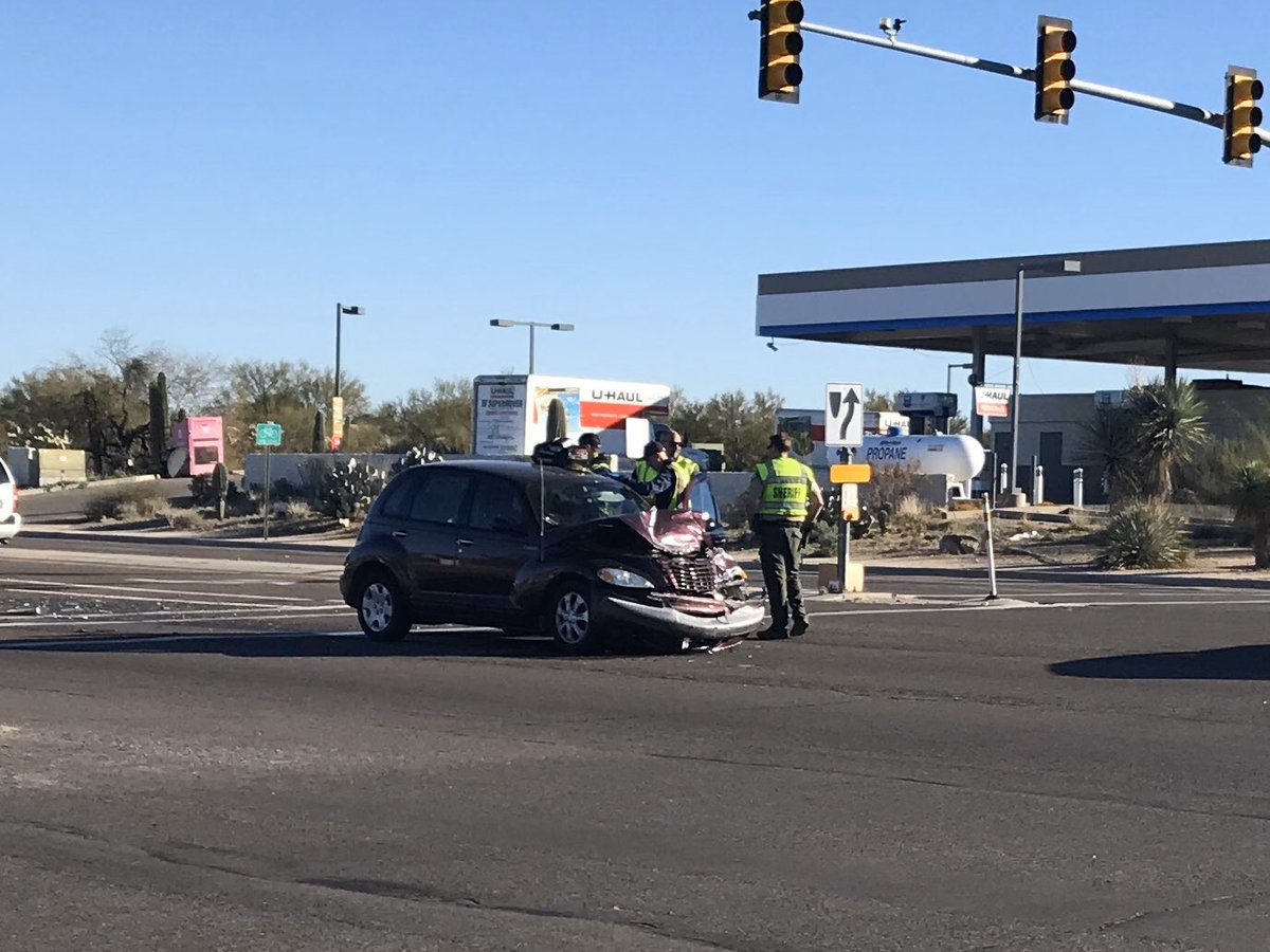 HAPPENING NOW Crash at Thornydale & Magee on the NW is causing traffic delays.