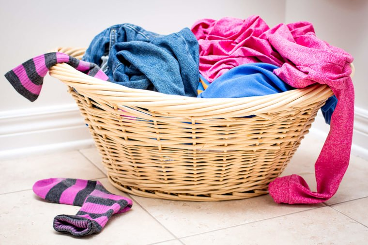 Adding socks to the washing machine first can cut down on lost socks. #cleaning #lifetips   http:// cpix.me/a/92478847     <br>http://pic.twitter.com/nRT0qGWP5F