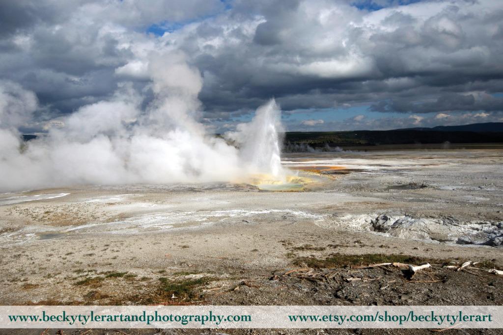 Yellowstone Geyser, Wyoming  http:// beckytylerartandphotography.com/2020/02/18/yel lowstone-geyser-wyoming/  … <br>http://pic.twitter.com/r2Ex7E6x39