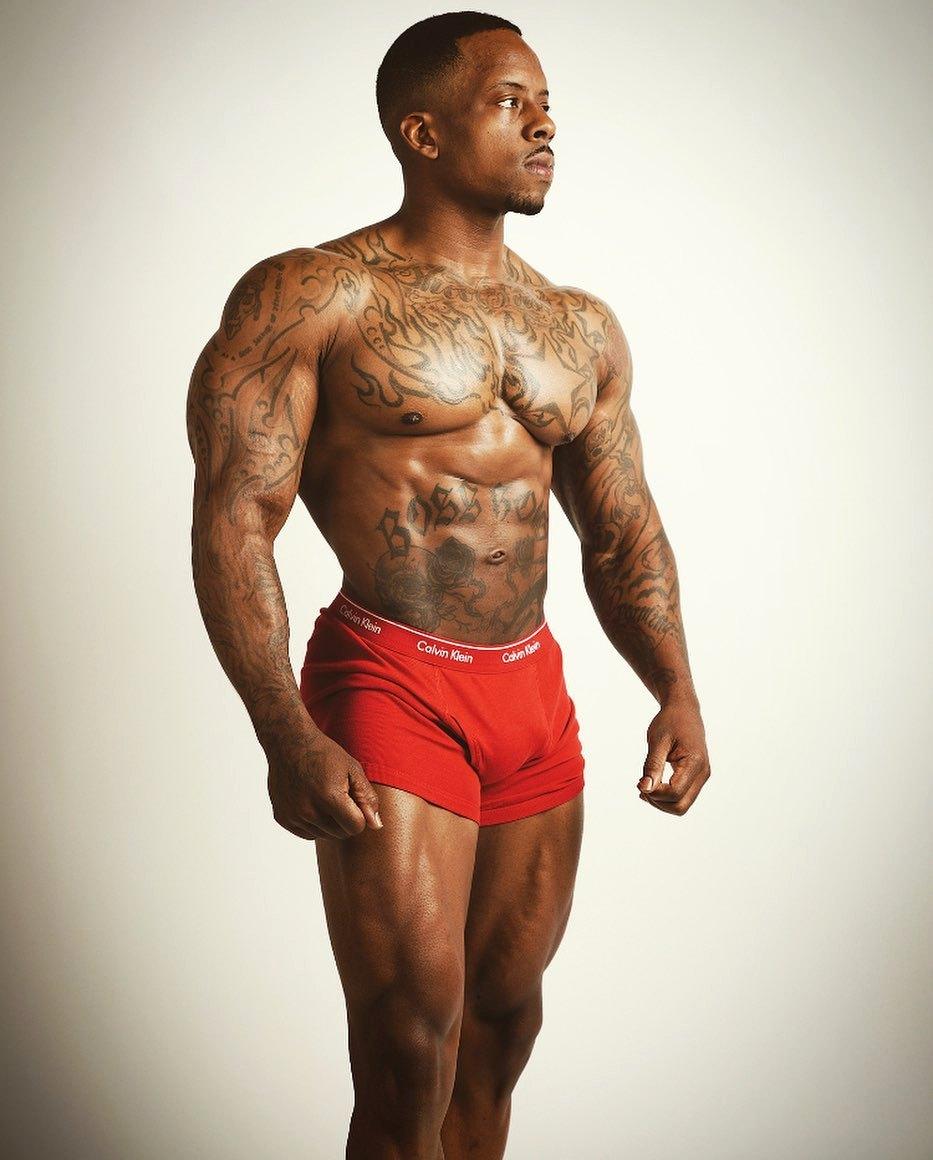 Bodybuilder : Aaron D. Harris  #Bodybuilder #Bodybuilding #AaronDHarris #ClassicPhysique #AaronHarris #CalvinKlein #CalvinKleinUnderwear #Tattoos #Abs #Shredded #Legs #Quads #Chest #BigArms #BodySculpting #NaturalBodybuilder #SuperNatural #BlackMen #BlackBodybuilders #EbonyMen