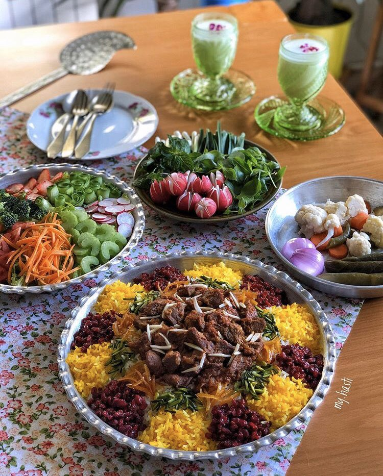 Gheimeh Nesar is a traditional and formal dish in Qazvin! The tase is so great and strong. Cooked with rice, beef and lots of spice. Burberry, pistachio and almond is added too!  #tourism #trip #travel #tour #food #foodshare #foodie #foodlove #foodlover #foodtourism #foodtour