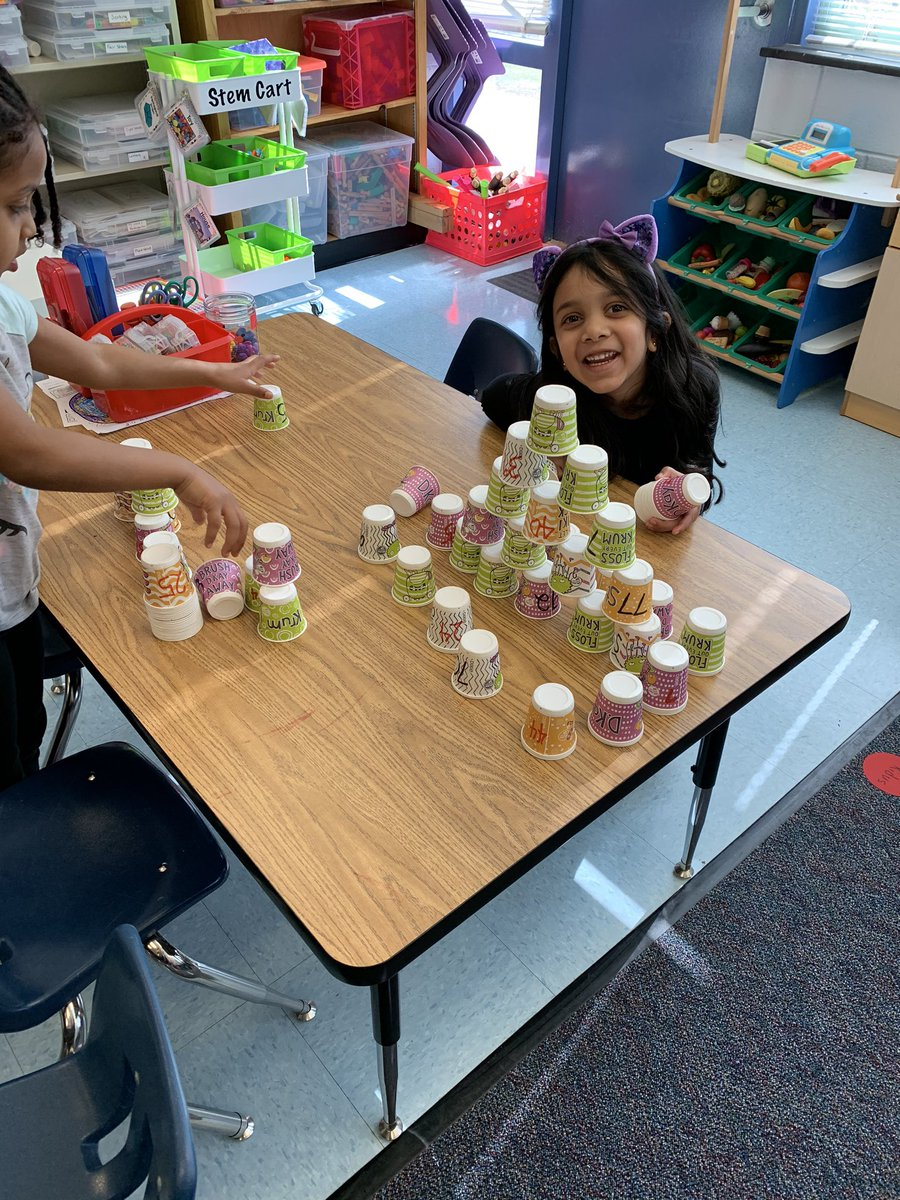 100th day of school STEM challenge: you and your partner have 100 pieces.... what can you build in 10 mins using all 100 pieces? <a target='_blank' href='http://twitter.com/CampbellAPS'>@CampbellAPS</a> <a target='_blank' href='https://t.co/FidQuqmwXB'>https://t.co/FidQuqmwXB</a>