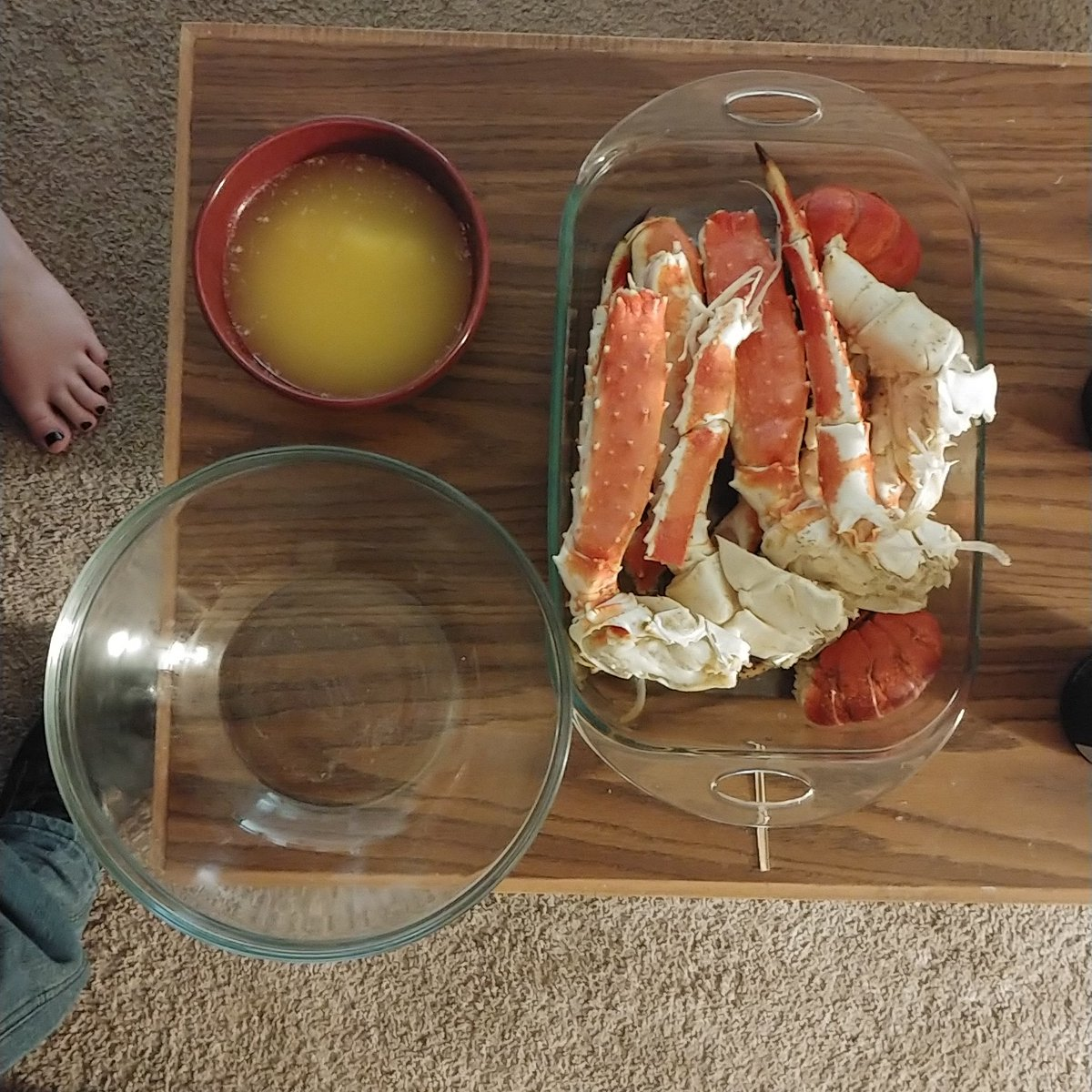 This was valentines day dinner. #wellness #healthy #motivation #fitnessmotivation #healthyfood #healthyliving #food #instagood #selfcare #goals #mentalhealth #strength #healthylife #happiness #healthyeating #selflove #family #velentinesday #lobster #crab #lobstertails #crablegs