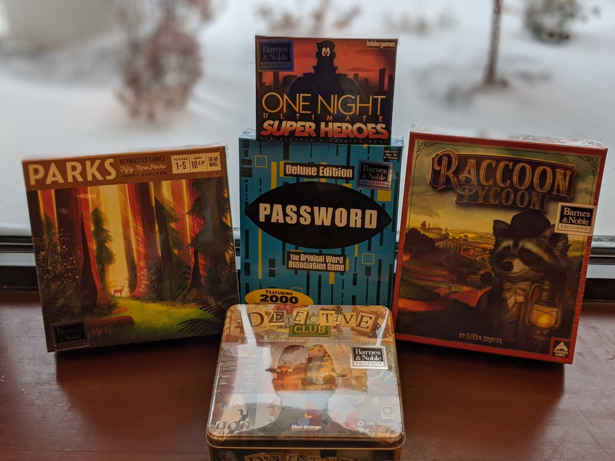 Did you know Barnes and Noble has exclusive games? That's right! These are just some of the games you will only find here. So come on out of the snow. #bn #bnnewhartford #family #familygamenight #familygames #bnexclusives #detectiveclub #raccoontycoon #warhammerdwarfspic.twitter.com/VbIePkM67q