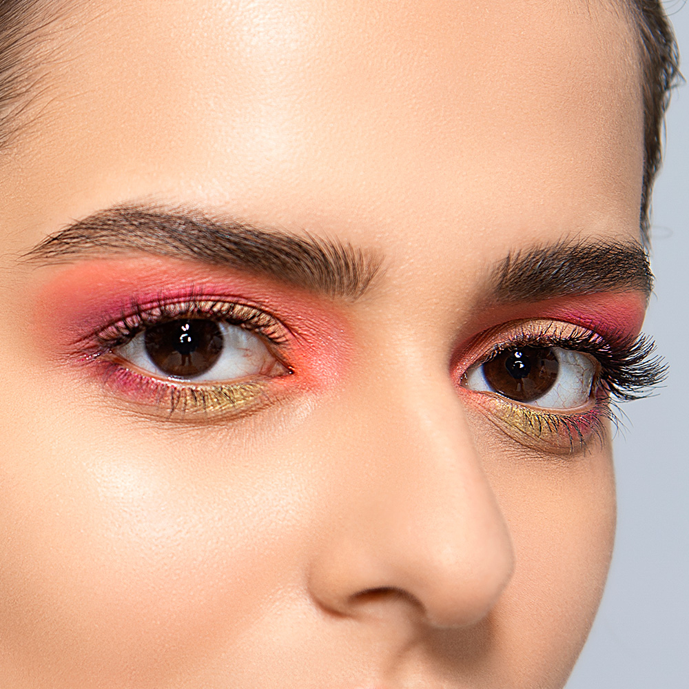 The new Lakmé Absolute Infinity Eyeshadow Palette in the shade Coral Sunset.  Can you come up with an innovative name for this ultra-glam look? Let us know in the comments below  Shop now on http://www.lakmeindia.com  #eyeshadow #lakmeabsolute #eyemakeup #newlaunch #betterin3Dpic.twitter.com/nGPOoik9kt