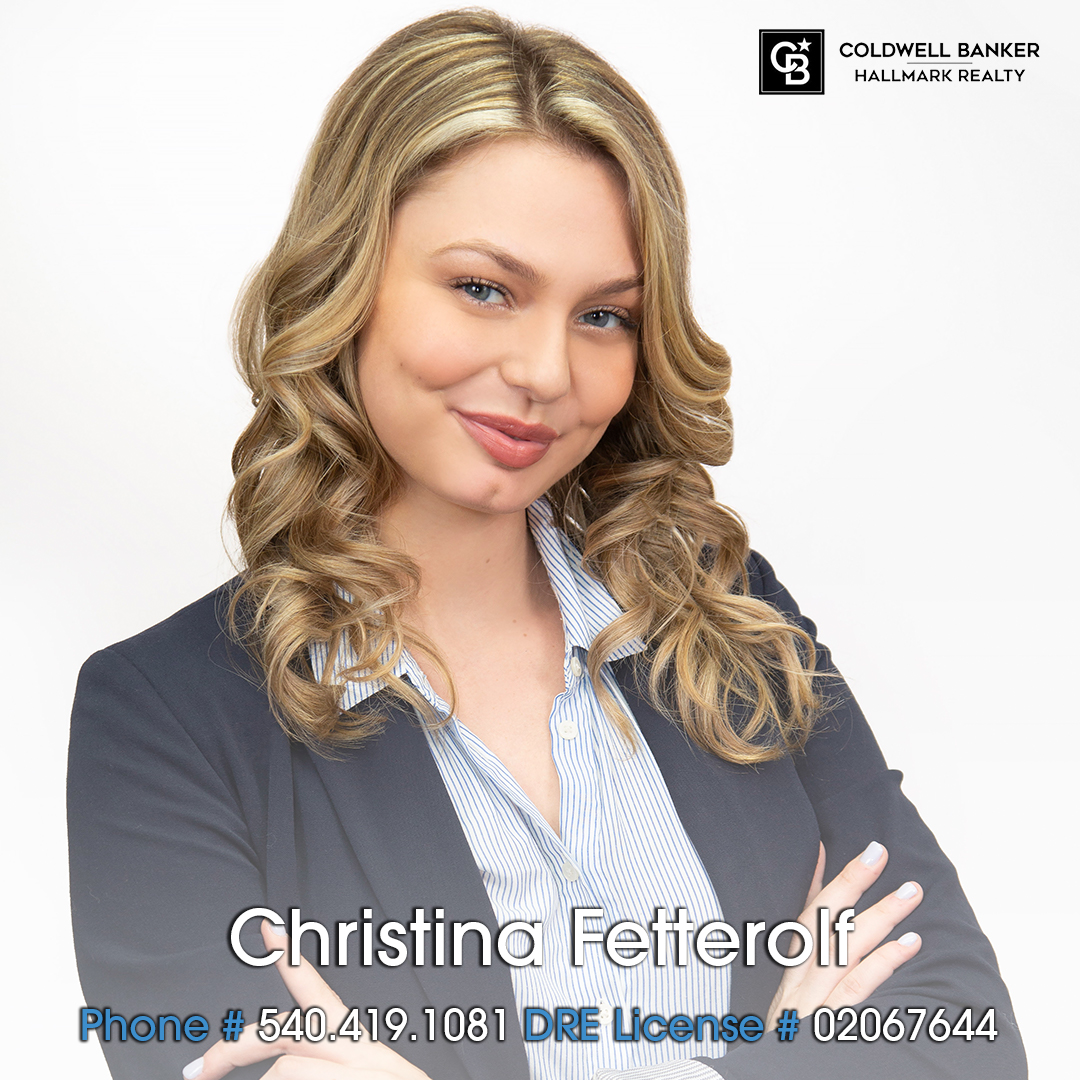 We're happy to welcome to the Coldwell Banker Hallmark family, Christina Fetterolf!  #agent #glendale #burbank #larealtor #larealestate #success #coldwellbankerhallmarkrealty #family
