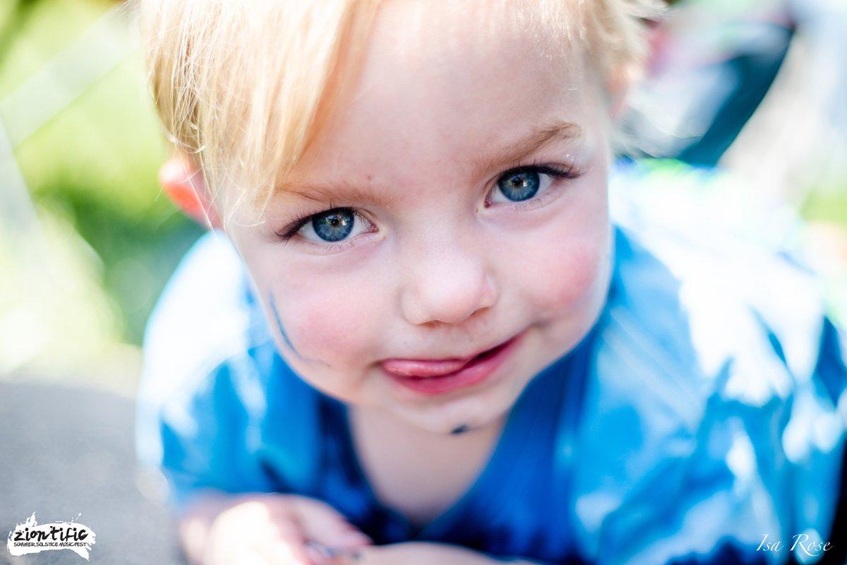 The face of a future fan...   #kidzone #allages #family #familyfriendly #kidsarefree #letkidsbekids #ZTFam #ZTFX #musicfestival #summersolstice#massachusetts #localmusic #livemusic #music #festival #newengland #westernmass #livemusicmass #pioneervalley