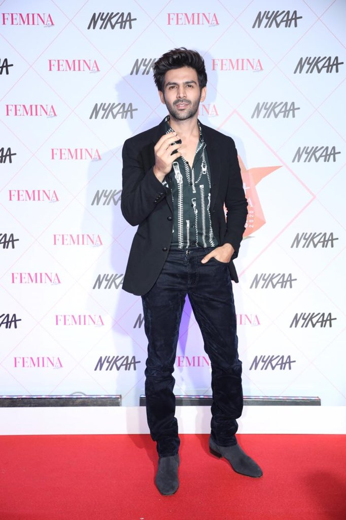 Kartik Aaryan (@TheAaryanKartik) is here to spread love at the Nykaa Femina Beauty Awards! #KartikAryan #NFBA2020pic.twitter.com/jHiLopAR1u