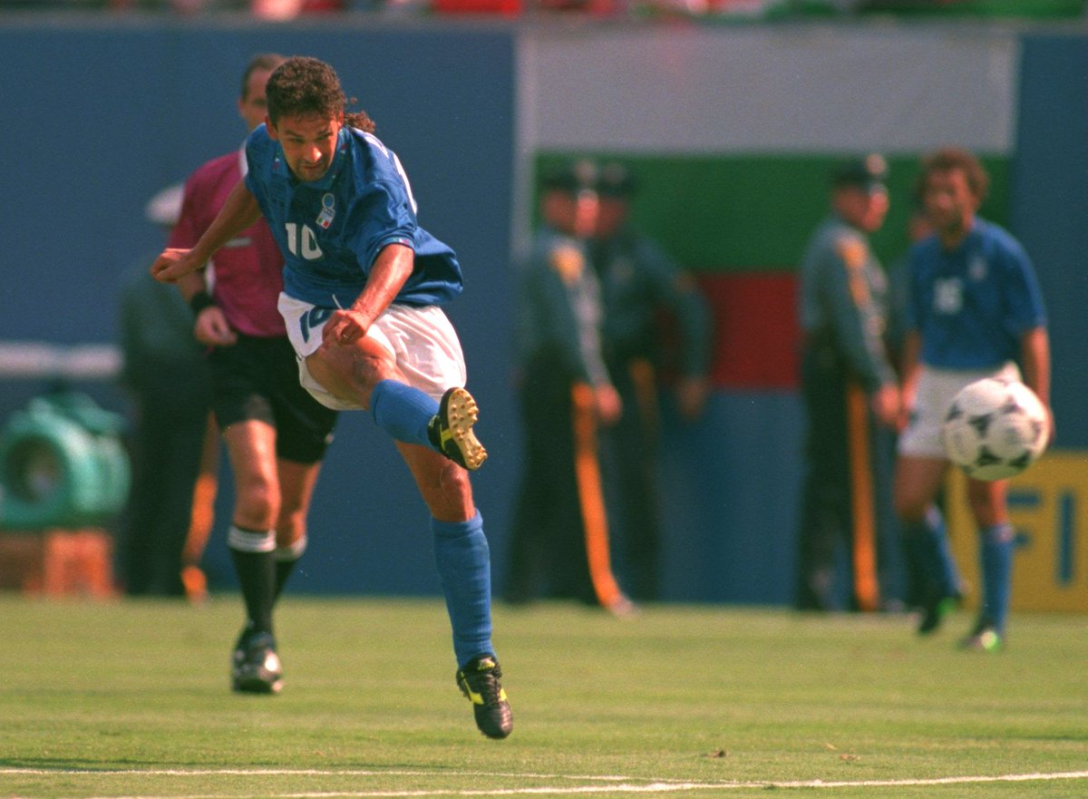 🇮🇹 #HBD Roberto Baggio, 5⃣3⃣ today 🥳🎂  #EURO2020