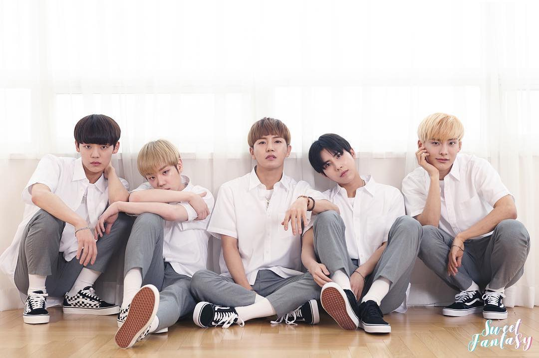 @dingdongitshun a.c.e's sweet fantasy days :')  @official_ACE7 #ThankYouACE #LoveACEForeverpic.twitter.com/3v4UEqvUij
