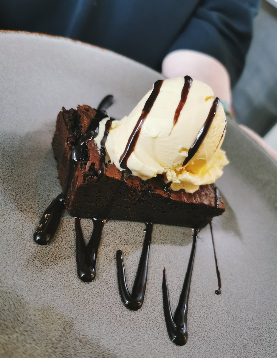 #chocolate #brownie & #icecream 🤤😍  #desserts #foodpics #tasty #TuesdayTreat #sweet #salisbury