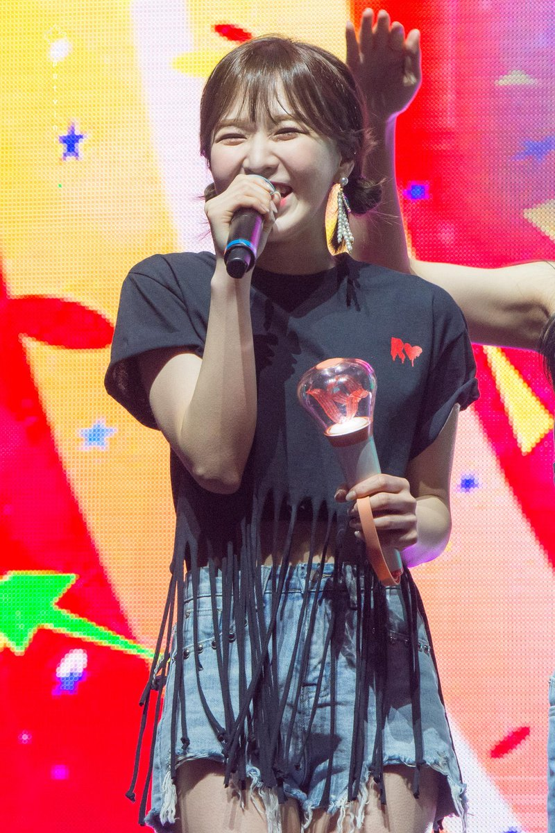 Wendy, our singer~ You said that you don't think you could ever forget the memorable and emotional night of Redmare in Toronto, so I hope that today especially, you can remember it with a fond heart, and that it will bring you the happiest memories. You are so incredibly loved  <br>http://pic.twitter.com/nEgTwvNhQ1