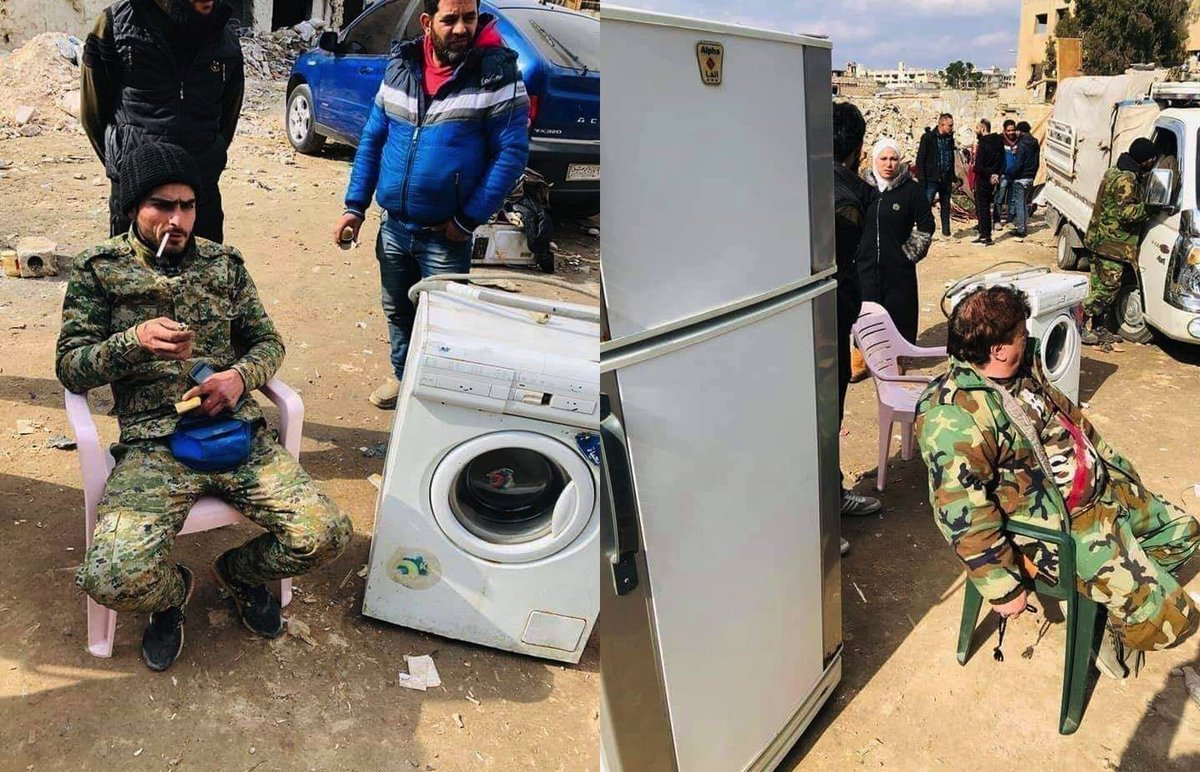 Assad-Soldaten verkaufen geplünderte Waschmaschinen & Kühlschränke aus #Idlib auf einem Markt in Aleppo (1,3 Millionen Vertriebene brauchen sie ja nicht mehr...). Muss Russland jetzt seinen Einfluss auf die Haushaltsgeräte oder wen nochmal geltend machen, liebe #Bundesregierung?! pic.twitter.com/DBNucApvEh