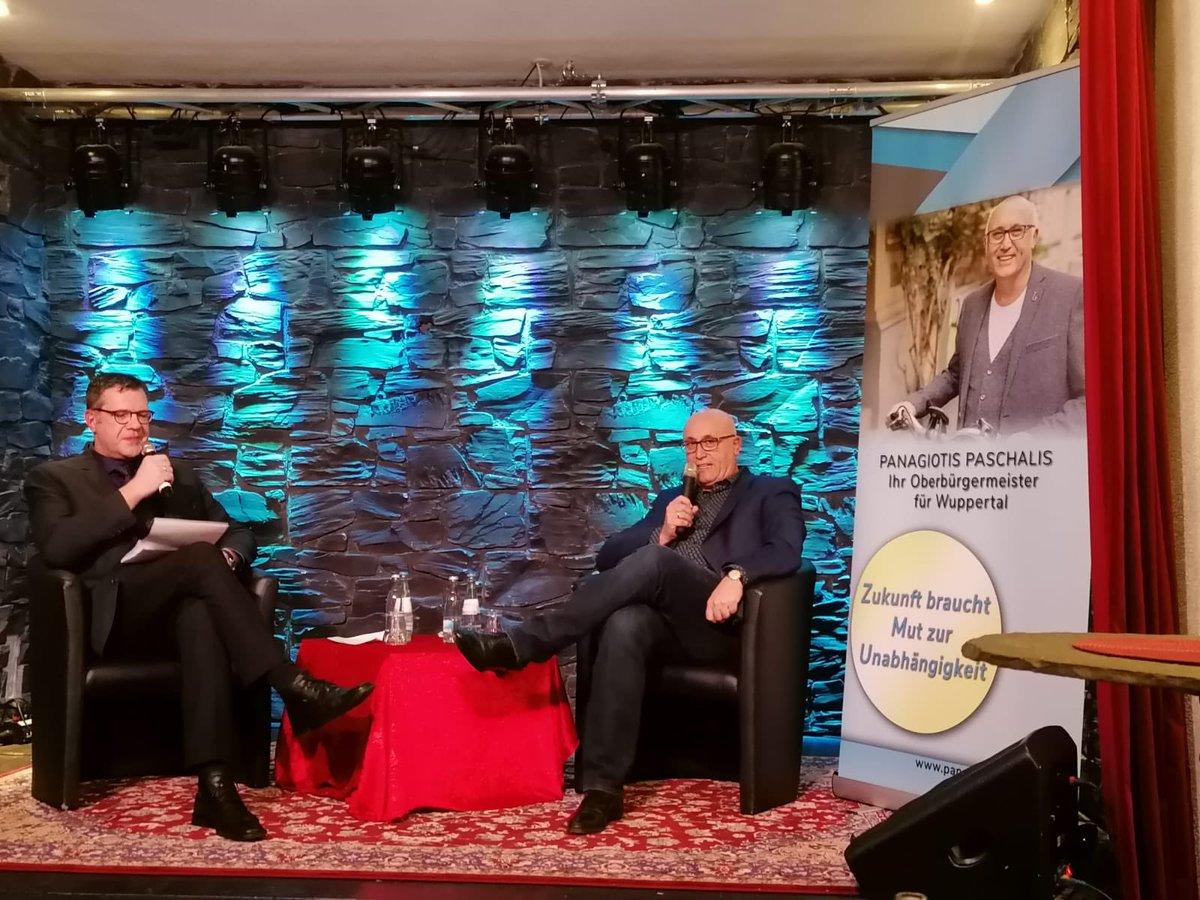 #Oberbürgermeister #Wahlkampf2020   Ein gelungener Auftakt in den OB-Wahlkampf. Volles Haus und gute Gespräche im Kontakthof #Wuppertalpic.twitter.com/LJ7sSeImPT