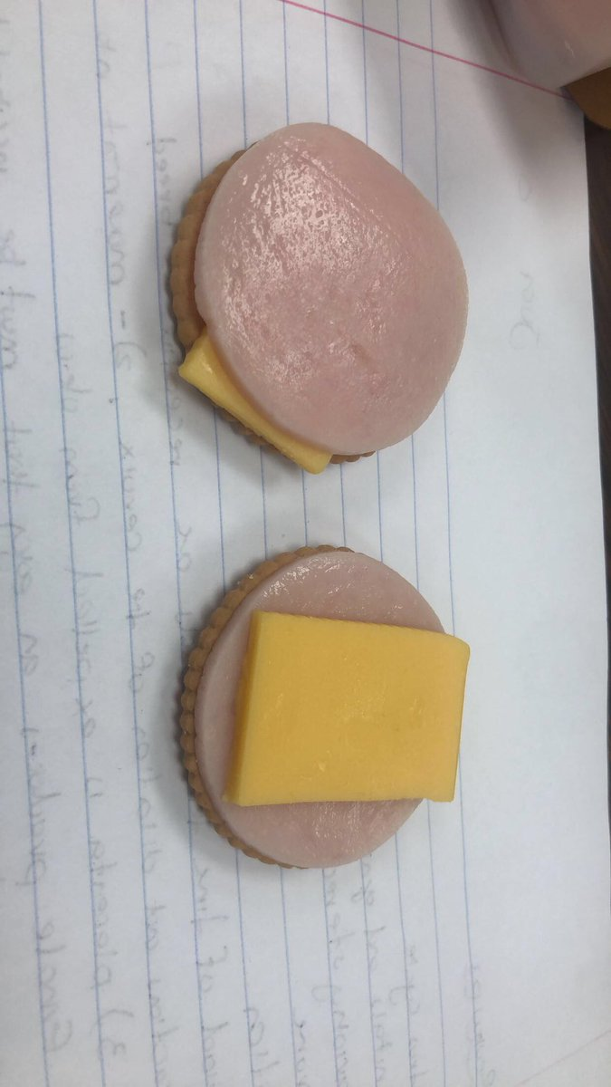 "i'm trying to prove a point... ""like"" for ham on top or ""retweet"" for ham on bottom"