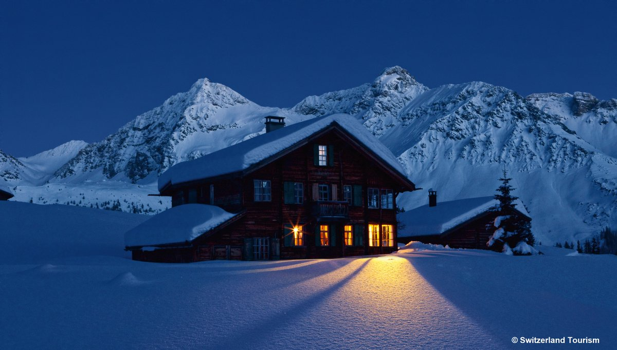 Like a fairy tale in the real world.#inLovewithSwitzerland Spending the day in cold snow to come home to a beautiful wood fire and a cup of hot chocolate!   One of the many reasons why Swiss love their winter. pic.twitter.com/FOHrZj9ivE