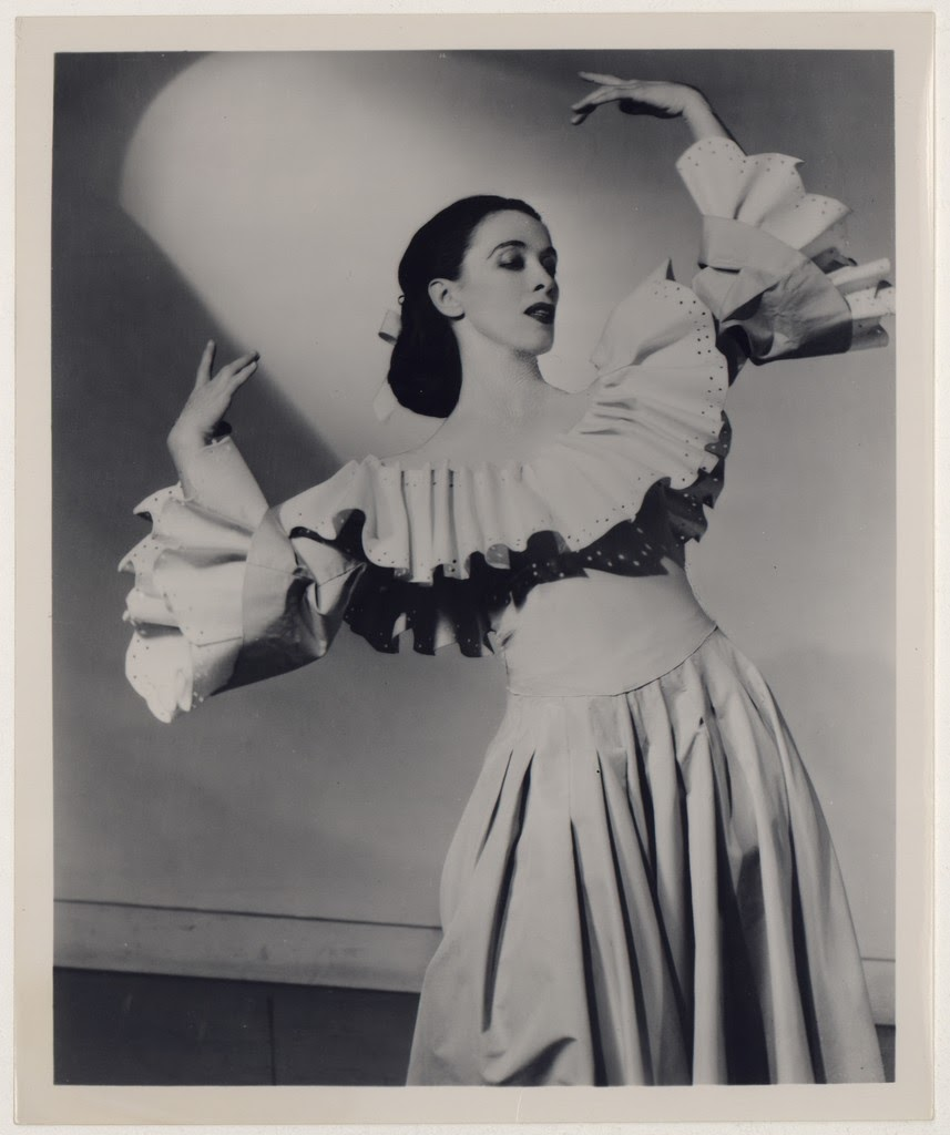 Meet #DancerOfTheDay Martha Graham, American dancer and choreographer who is widely regarded as the pioneer of modern dance.  Pioneer your own dance career at OCMD.  The new dance quarter begins March 9th, so sign up now!  https://ocmusicdance.asapconnected.com/#CourseGroupID=34436…pic.twitter.com/XWL4ci0gz1