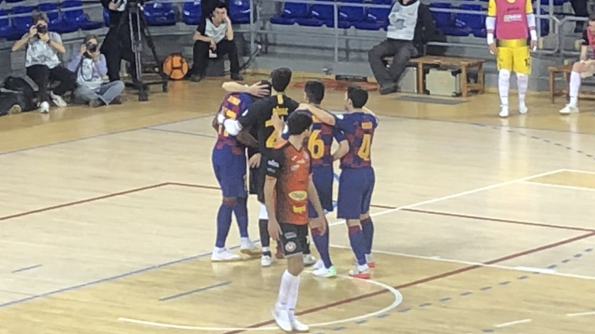 ⚽️ Gol de l'@Arthurgsf17   @FCBfutbolsala 2 - 0 Aspil  #ForçaBarça🔵🔴 #SempreFidels #MaiNoCaminaràsSol – at Palau Blaugrana
