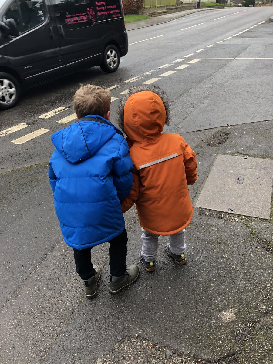 Talking to his little brother about what colour the bus might be - he loves to look after his brothers 💙💙 @Mr_Fotheringham @MrsGardnerLW