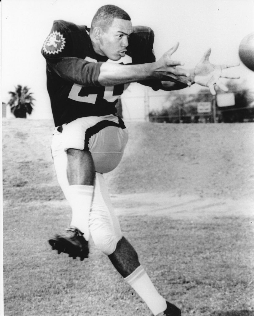 Here's Reggie when he was a two sport star at ASU. Go Devils! pic.twitter.com/xJiT8qMPHr