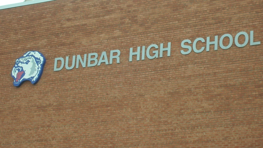 Sadly, we have learned that a Dunbar High School student has died; counselors will be available at the school http://bit.ly/2u9XO22 pic.twitter.com/bYy54sKAIQ