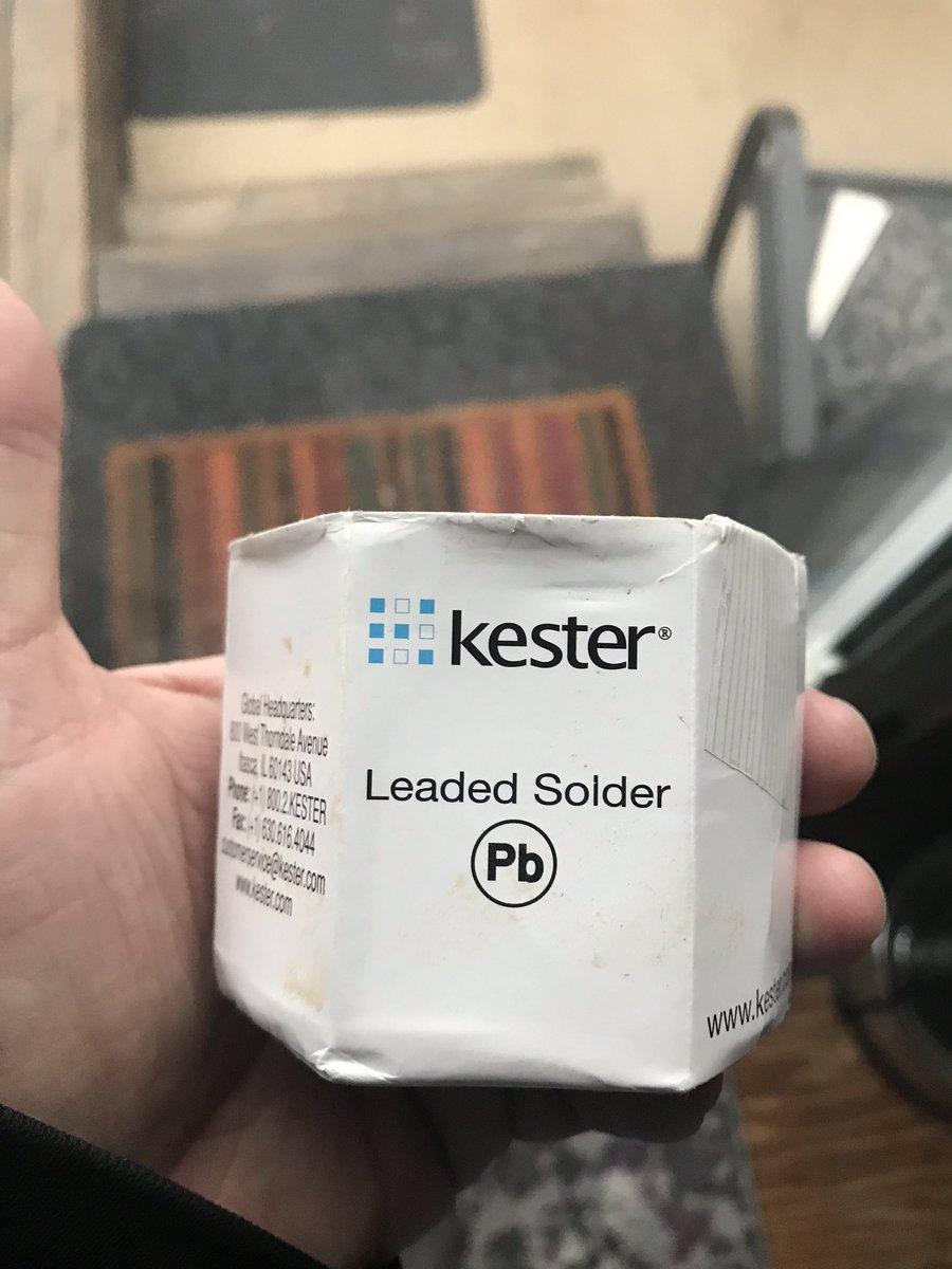 Got some real solder #kester #electronics pic.twitter.com/fgu1k1V7GM
