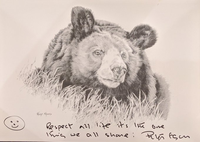 LAST DAY, PLEASE RT: This auction is for a beautiful Trudy Friend Moon Bear print signed by @Peteregan6 with the quote Respect All Life, Its The One Thing We All Share. Profits go to help support the wonderful work that @AnimalsAsia. Please bid at ebay.us/NL93cX