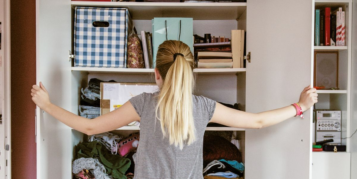 Feeling the urge to start your spring clean? Here's some decluttering tips from the experts. https://buff.ly/3bIGoKZ   #springclean #declutter #tidyup #tidy #cleaning #declutteringpic.twitter.com/G2tPzL4VeG