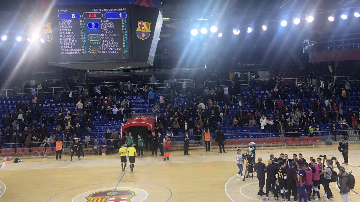 ⚽️ Final del partit i victòria blaugrana!  @FCBfutbolsala 6 - 1 Aspil  👏 Felicitats equip!!!  #ForçaBarça🔵🔴 #SempreFidels #MaiNoCaminaràsSol – at Palau Blaugrana