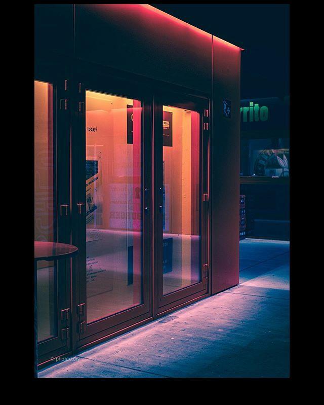 Stay up till dawn until the night is gone.  #photactory #photactorytravels #nightphotography #lightandshadow #nightlights #cityphotography #citylights #streetphotography #streetlife #munich #munichgram #architecturephotography #architecturelovers #archit… https://ift.tt/2SZcYQhpic.twitter.com/qm7RK7g10N