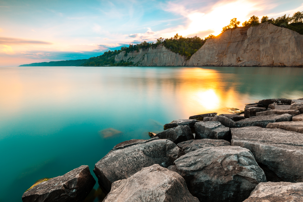 Are you going to Scarborough Bluffs? You could be if you enter to win flights for 2 to Toronto with @airtransat To be in with a chance just follow & retweet. #DUBToronto <br>http://pic.twitter.com/w5r9Urg4Uy
