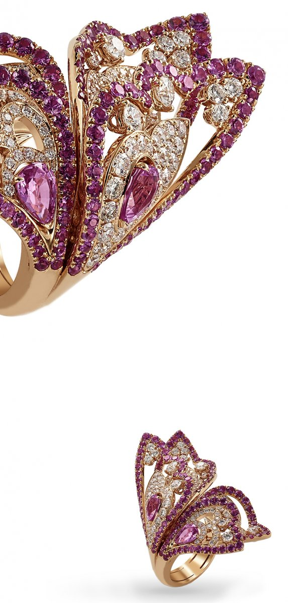 Quando hai la possibilità di tenere una farfalla fra le tue mani, ammirandola mentre risplende.   #maestroorafo #crivelli #valenza  #crivelligioielli #jewelry #jewelryblogger #jewelrylover #madeinitaly #storytelling #familyaffair #noilavoriamoconilcuore