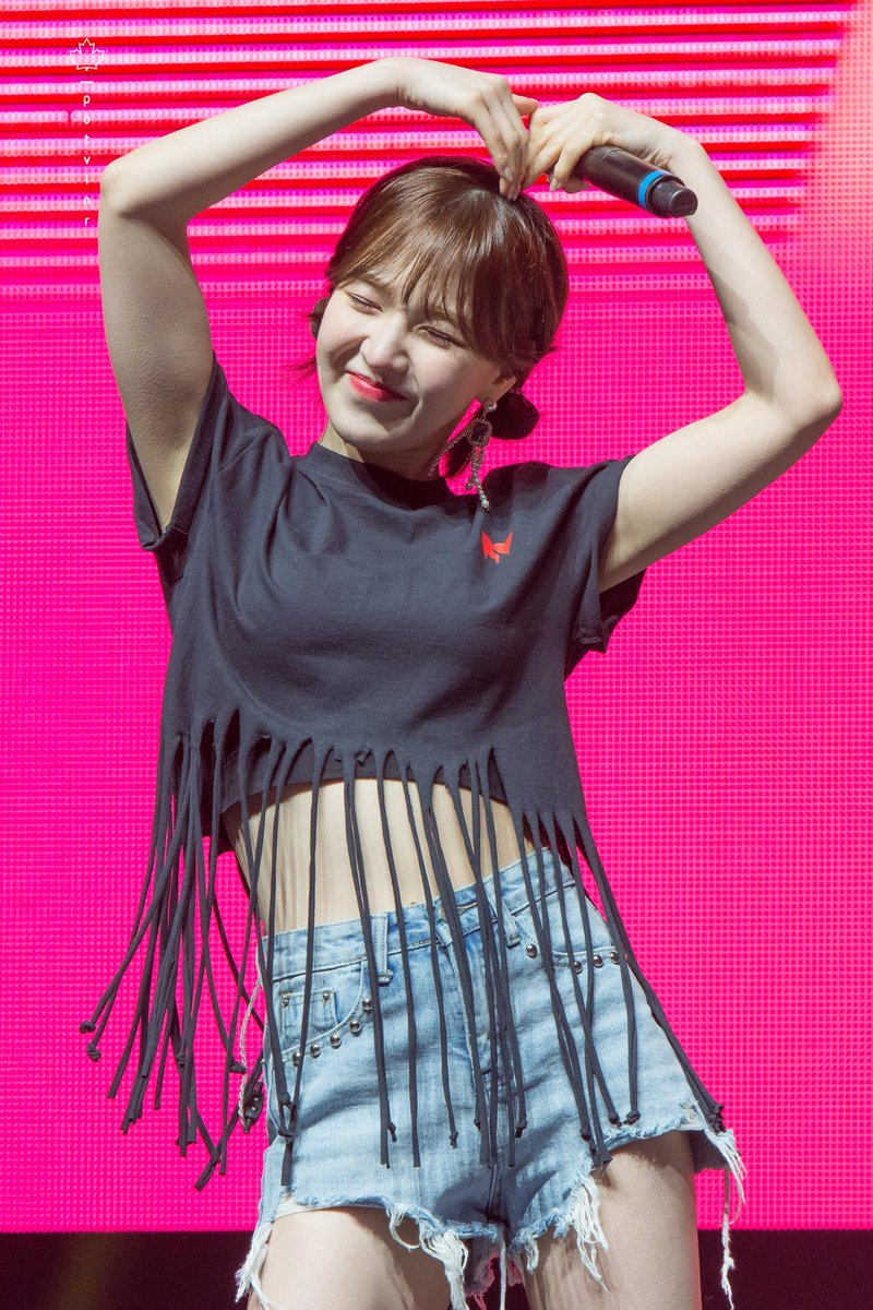 One year ago today, Wendy performed in her hometown of Toronto again for the first time since becoming our singer, when Red Velvet held their first concern in Canada, REDMARE in Toronto  <br>http://pic.twitter.com/XXVGxpFKzi