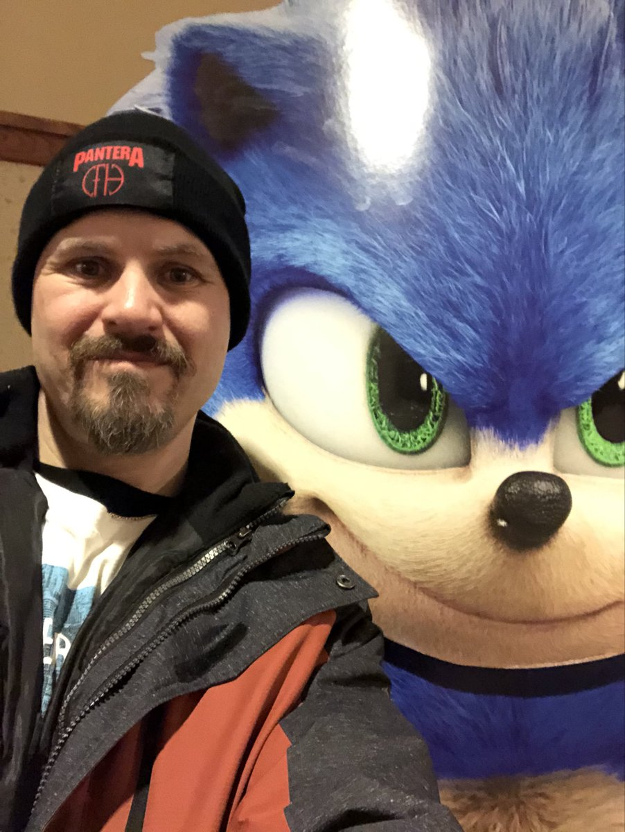 Just saw Sonic!! #catchsonic pic.twitter.com/Sn1O2hXy6T