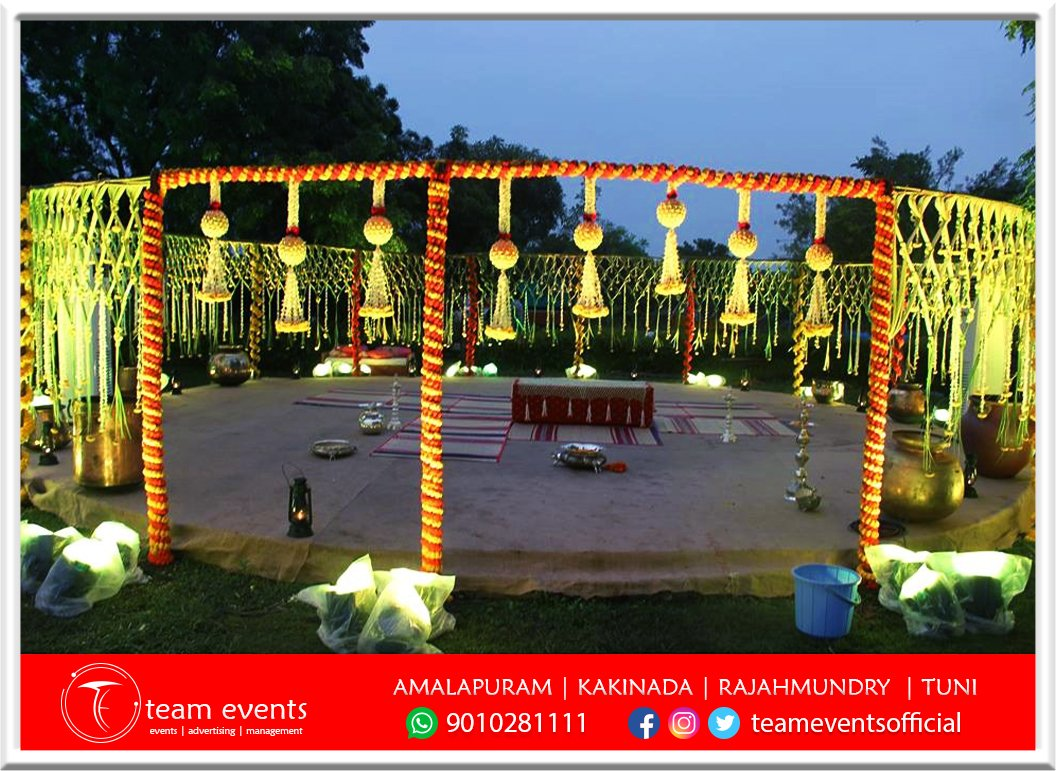 Attractive traditional decorations Team events and advertising management #kakinada #rajahmundry #amalapuram #tuni  #eventplanner #eventdesigner #weddingplanner #marriagegoals #marriage #marriagevibes #marriagedecoration #decorations #design #delicious #weddingphotographypic.twitter.com/jtdp1qPzuC