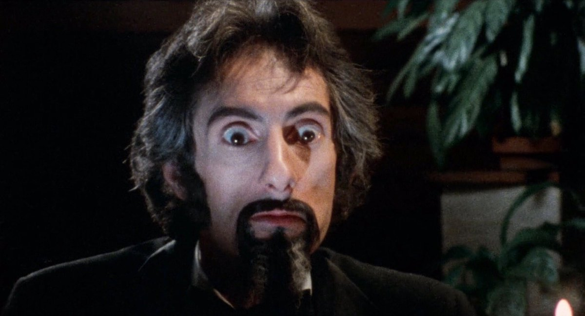Wainwright brings a great deal of ocular credibility to his Svengali claims  #DoctorDracula #LucifersWomen #AlAdamson #JohnCarradine #70sHorror #VampireMovie #Satanic #DevilWorship #HorrorFilm #HorrorMovies #HorrorScenepic.twitter.com/RpPyzYCisv