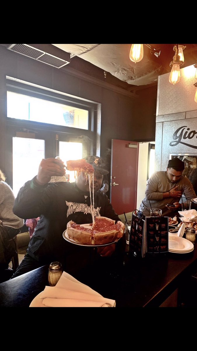 That deep dish 🍕 in Chicago just hit different‼️ @GiordanosPizza y'all official‼️ #Chicago #NBAAllStarWeekend #Giordanos #GiordanosPizza